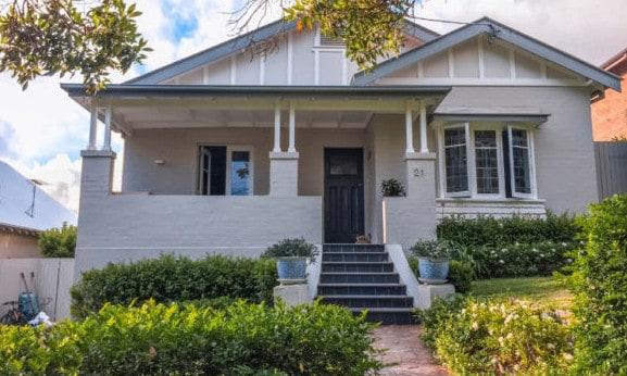underpinning to stabilise house foundation